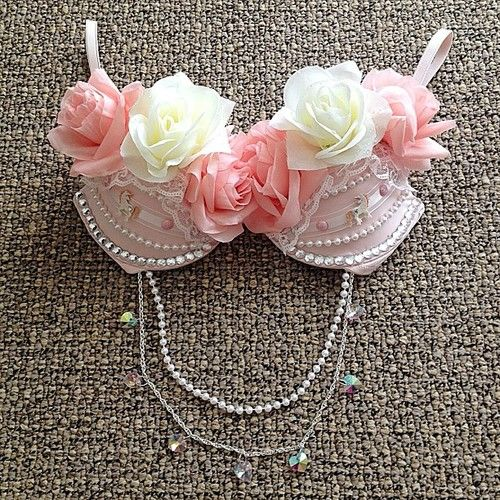 Beautiful rave bra <3 #roses #diy #ravergirl