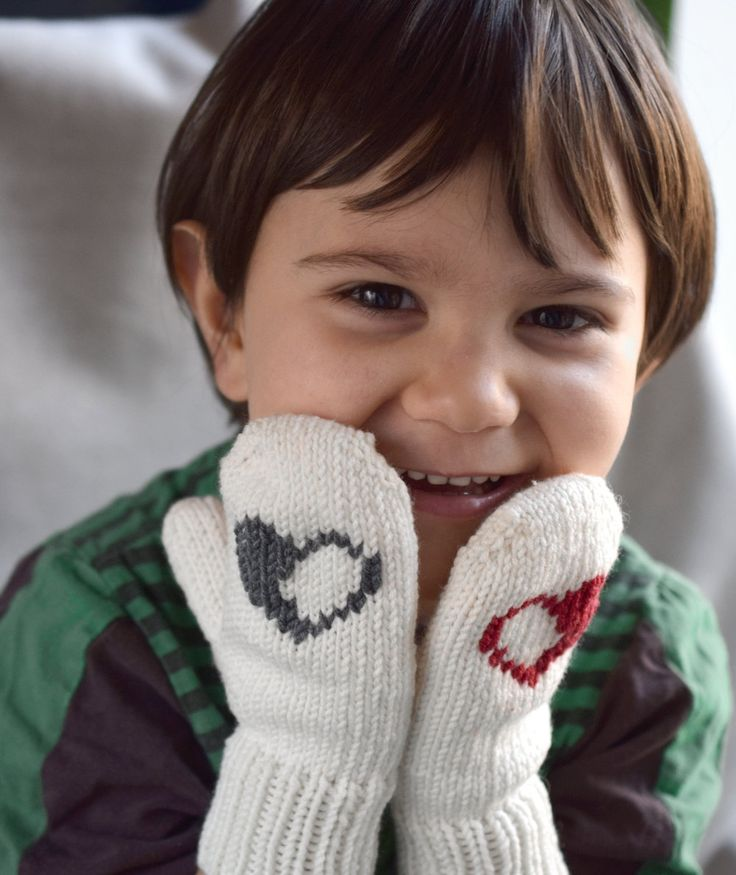 Kids mittens with hearts, handknit childrens mittens, off white toddler gloves, baby mittens, merino wool mittens, grey or red hearts by TinyOrchids on Etsy