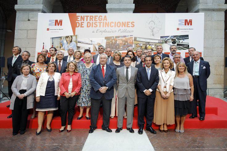 Ignacio González ensalza la profesionalidad y el buen hacer de los cerca de 150.000 empleados públicos de la Comunidad