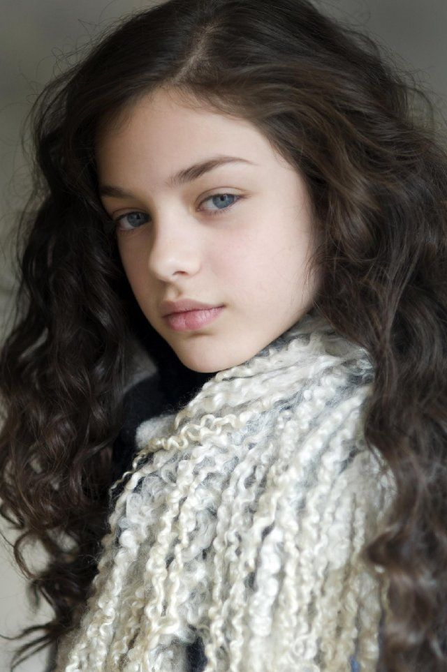 Odeya Rush (Keavy, who turns 11 over the course of the story)