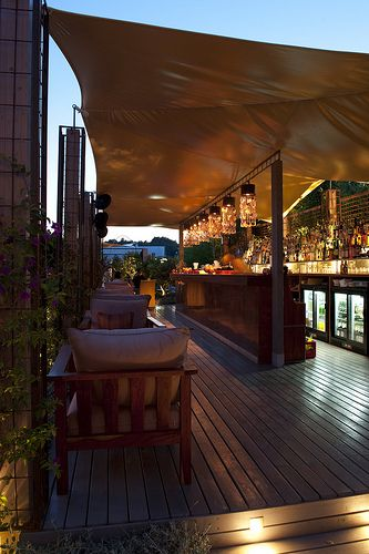 Aura Cocktail Lounge, modern lbiza bar with cocktails and music