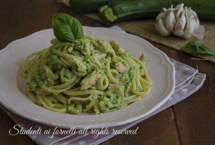 linguine al salmone e pesto di zucchine ricetta primo veloce gustoso facile estate
