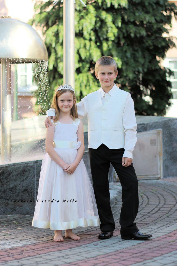 Dětské smetanové šaty na svatbu - dětské šaty pro družičky - Půjčovna šatů- Svatební studio Nella- Česká Lípa