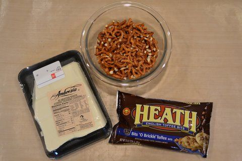 Toffee bark, Pretzel bark and Pretzels on Pinterest