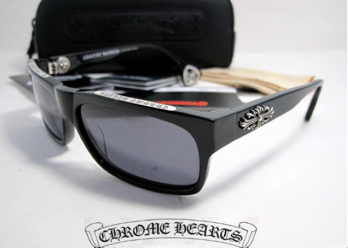 Chrome Hearts T-BAG-N BK Sunglasses New Arrival Chrome Hearts T-BAG-N BK Sunglasses Online Black Chrome Hearts Sunglasses T-BAG-N BK online for sale Frame Size: 61-16-133mm (Eye-Bridge-Temple) All Colors: Black or Tortoise Accessories: Same as Original, Coming with Chrome Hearts case, pouch, warranty card, etc. Sunglasses Features: 1> Full sun protection 2> Comfortable metal frame with birchen earpieces 3> Sleek slightly wraparound lenses