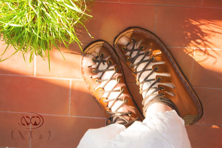 Handmade leather sandals, high rise #leathershoes #handmade # leather # NativWorld # Nativ #sandals # artisanal # handmadesandals #portugueseshoes #highsandals