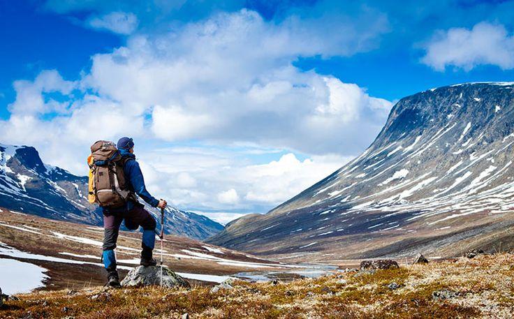 Vi intrigano i viaggi da soli? Non perdetevi i nostri 20 consigli per viaggiare da soli e vivete un'esperienza indimenticabile.