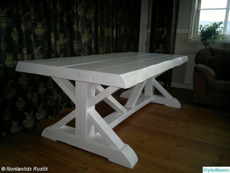 Här hittar Ni lite unika och vackra möbler, något utöver det vanliga! Skriv gärna en kommentar, alltid roligt!. Köksbord 160x90 cm. Köksbord 160x90 cm med 2 st förlängningskivor som förvandlar det lilla köksbordet till ett stort matsalsbord på hela 270 cm,. Underbart soffbord i kryssmodell. Ett e...