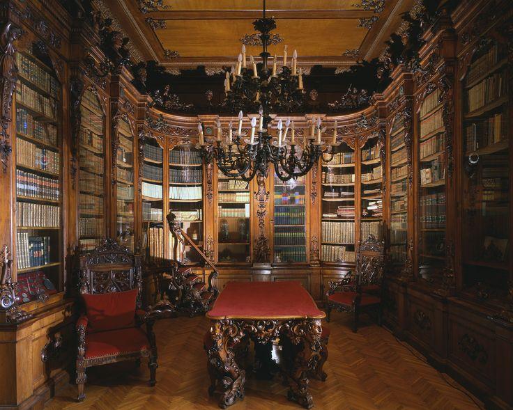 Museo Revoltella, Trieste. La biblioteca di Pasquale Revoltella.