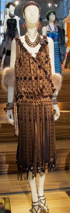 Alt. idea: cut fabric strips to get the 20s fringe look GREAT GATSBY COSTUME EXHIBIT