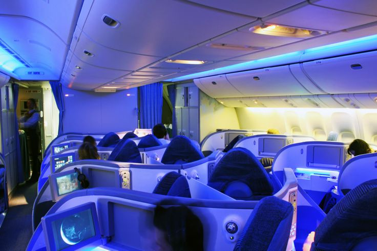 The boeing 787 dreamliner has luxurious workspaces that for Interior 787 dreamliner