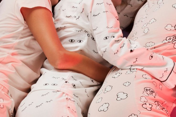 Great days are upon us! Lo and behold: a lightweight cotton onesie that's comfortable to sleep in!