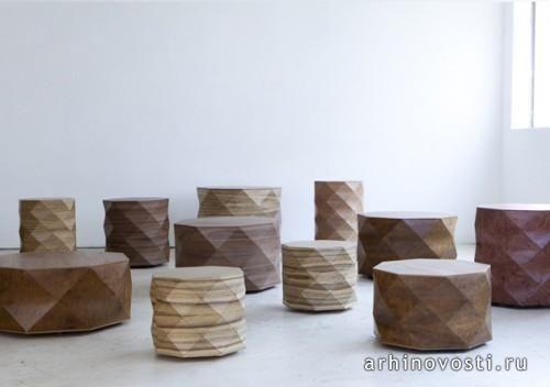 Кажется, что эти кофейные столики и табуреты изготовлены из бумаги с использованием замысловатых оригами навыков. На самом же деле они деревянные. Они были разработаны командой дизайнеров Tesler-Mendelovitch для галереи Talents Design Gallery, расположенной в Тель-Авиве, Израиль. Серия мебели получила...