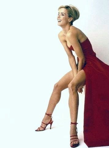 Terrific Téa Leoni nude