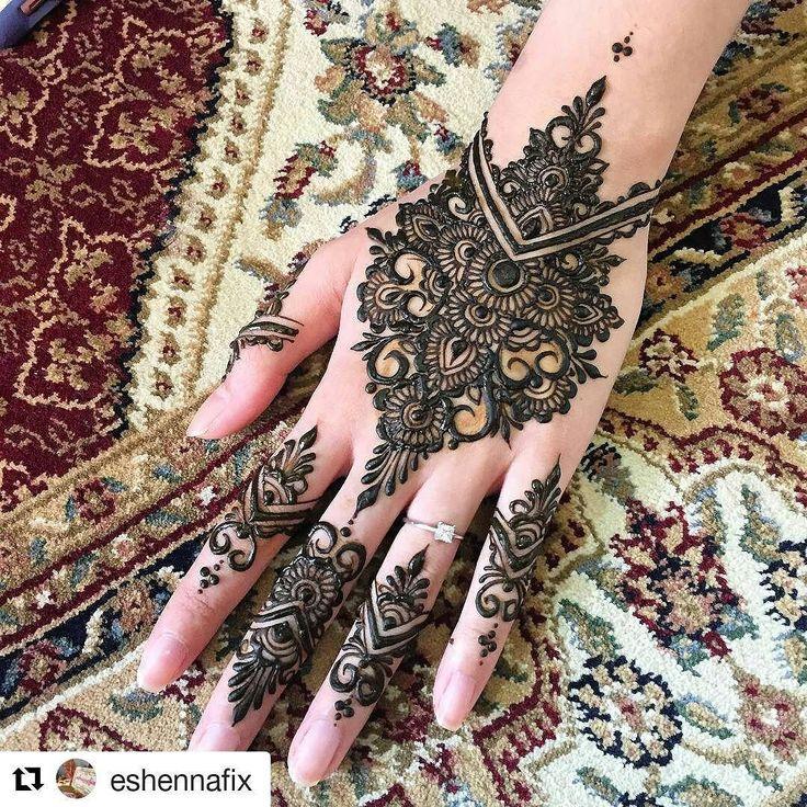 "#follow@hennafamily #hennafamily #Repost @eshennafix ""Go for it!"" she said. 15 minutes later.... tadaaaa! Yeayyy Henna fix for rara to end off our #sleeoverpartayy (sort of all we did mostly was sleep) @tiaradusqie @veeestria _ #eshennafix #henna #bridal #sg #wedding #singapore #bridalhenna #inai #mehendi #mehndi #heena #art #bride #pengantin #culture #love #hennasg #artist #hennainspire #inspire #doodle #igsg #singaporehenna #sgwedding #singaporewedding #eshennamix"