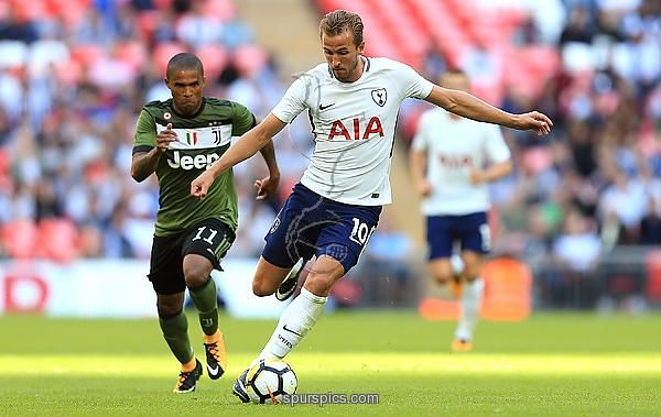 LONDON, ENGLAND - AUGUST 05: Harry Kane of Tottenham Hotspur during the Pre-Season Friendly match between Tottenham Hotspur and Juventus on August 5, 2017 in London, England. (Photo by Stephen Pond/Getty Images)