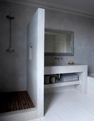 This would be our bathroom in reverse - floorplan wise   Walkin in with a place for the soap
