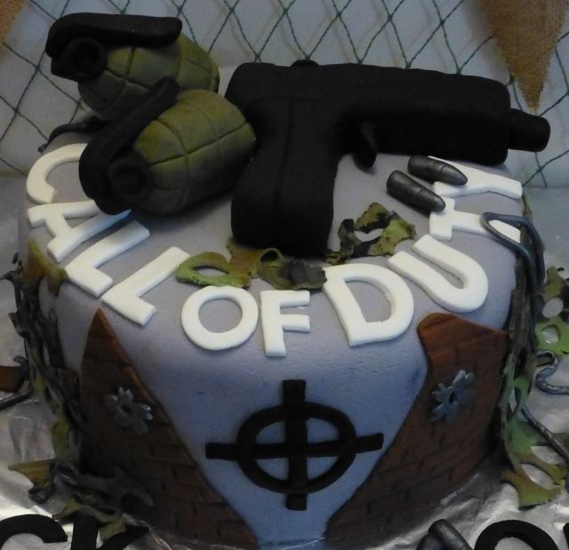 Who just want a 9mm on their cake....NEXT.....sf Cake at a Call of Duty Party #codparty #cake