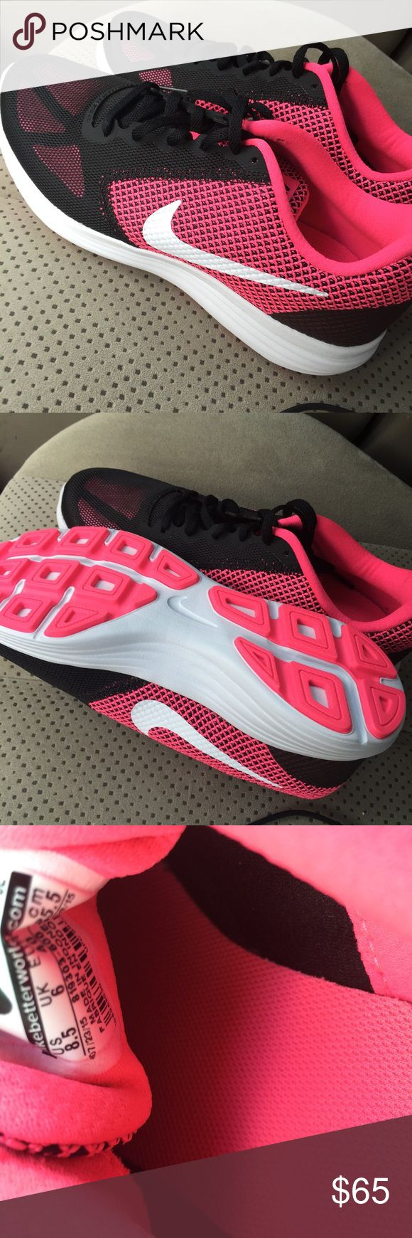 Women's Nike Shoes size 8.5 NEW! Brand new never been worn Nike women's shoes size 8.5 Nike Shoes Athletic Shoes