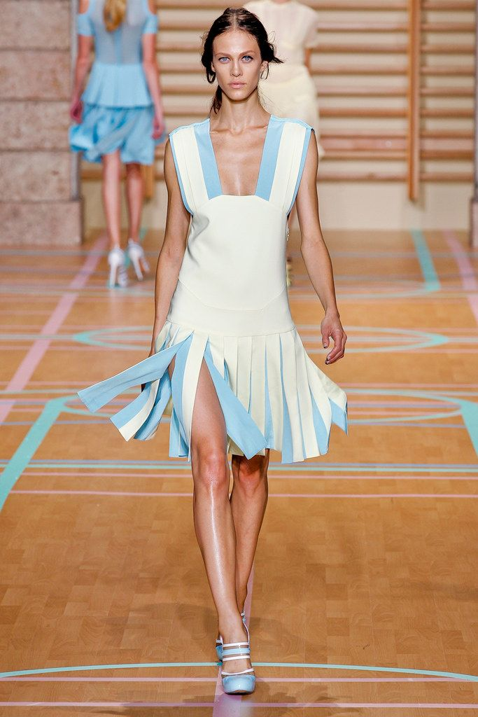 nobis cindy sale Versus Versace Spring 2012 Ready to Wear Collection Photos   Vogue