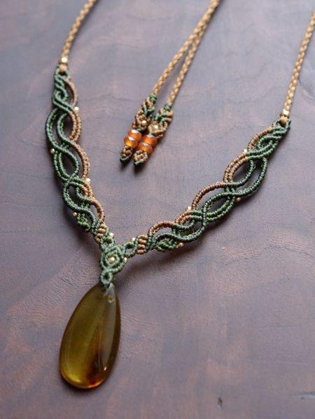 琥珀(アンバー)&カーネリアン天然石マクラメ編みネックレス