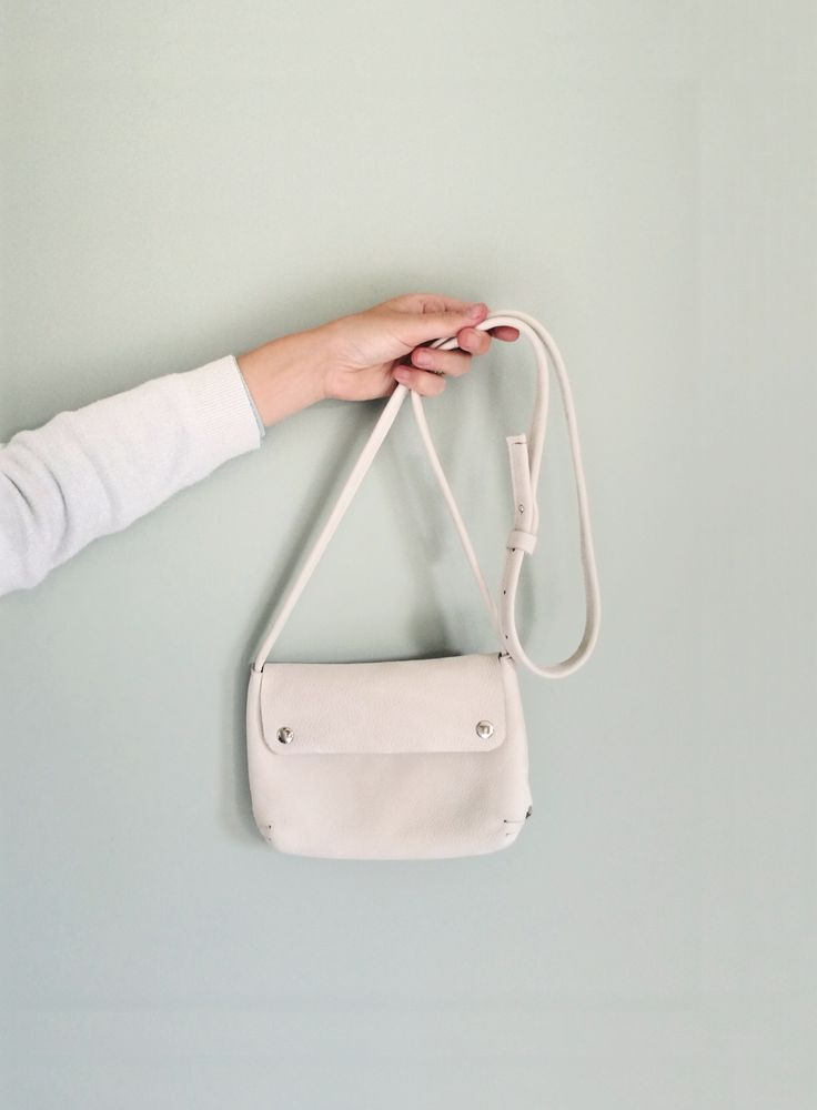 Pretty handmade bag by Renske Versluijs. Photography by Marieke Verdenius on instagram