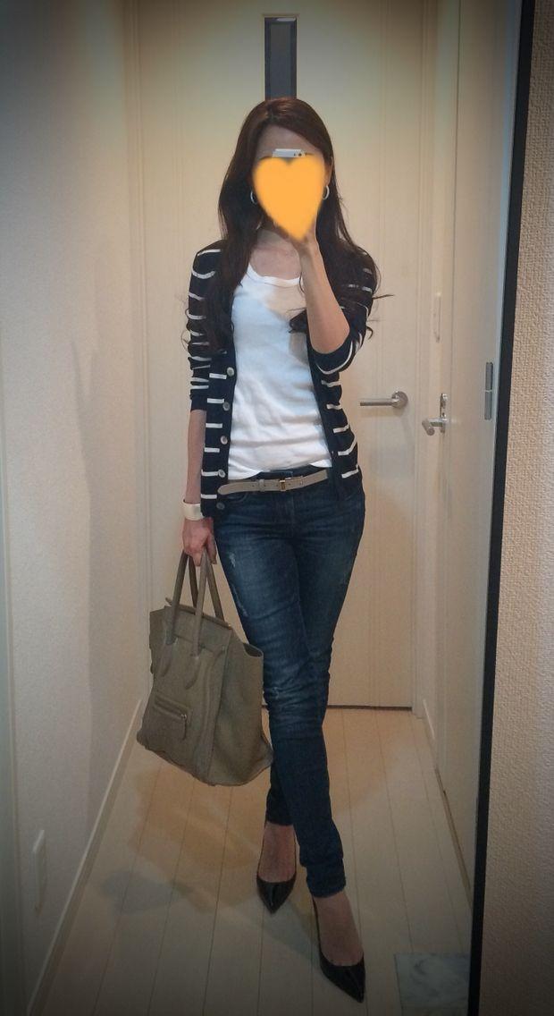Striped cardigan: United Arrows, White tee: Three dots, Skinny: ZARA, Belt: Tomorrowland, Bag: Celine, Heels: Christian Louboutin