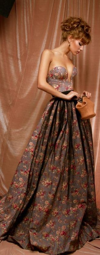 We adore this vintage floral dress.