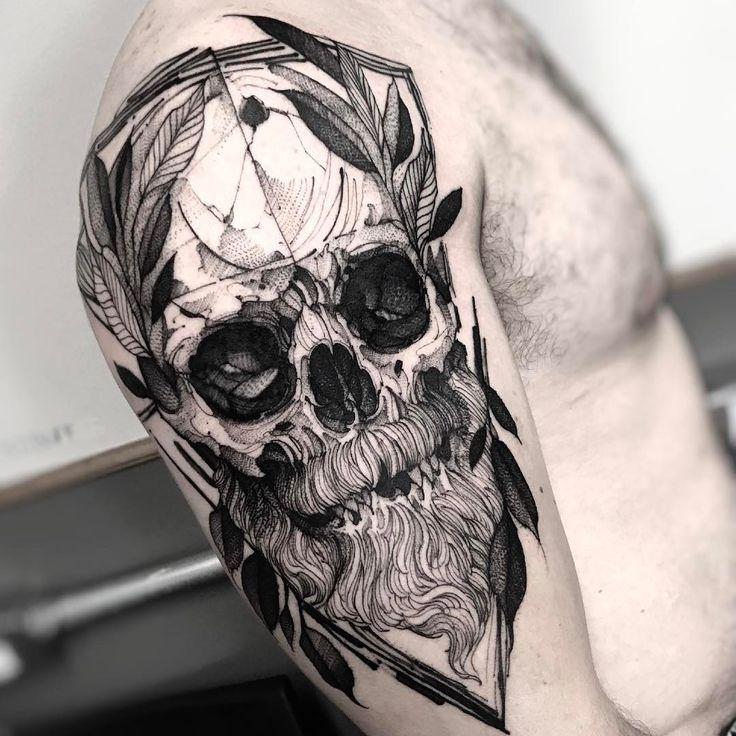 Tatuagem de caveira feita por Fredão Oliveira. #tatuagem #tattoo #blackwork #caveira #skull
