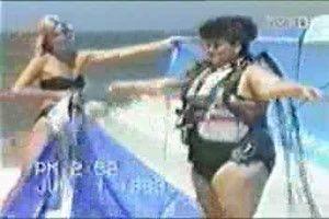lustiger Clip 'Heisses Bad - Knallerfrauen mit Martina Hill.ytv' von Kutti. Eine von 80 Dateien in der Kategorie 'Knallerfrauen' auf FUNPOT. Kommentar: Heißes Bad