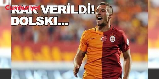 Galatasaray Çin ekibine kararını bildirdi: Galatasaray yönetimi, Japonya'nın Vissel Kobe kulübünün 3.5 milyon Euro teklif yaptığı Lukas Podolski'yi satmama kararı aldı.