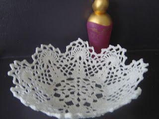 #haken, gratis patroon, haakwerk met suikerstijfsel maak een schaal, #crochet, free pattern (Dutch), bowl made with sugar starch