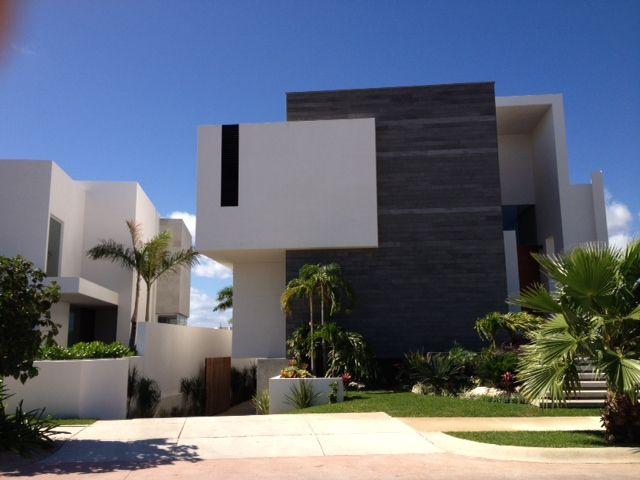 Casa en venta en Puerto Cancún de lujo, frente a canal de navegación. #realestate #lujo #inmuebles #ventas #casas #propiedades #bienesraices #realestate