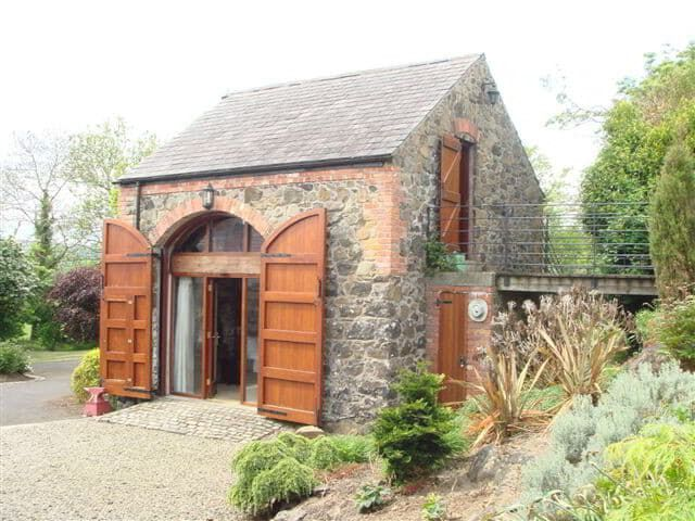 in asp sleeps county rating rockmount cottages house ireland rentals country details newcastle northern accommodation cottage
