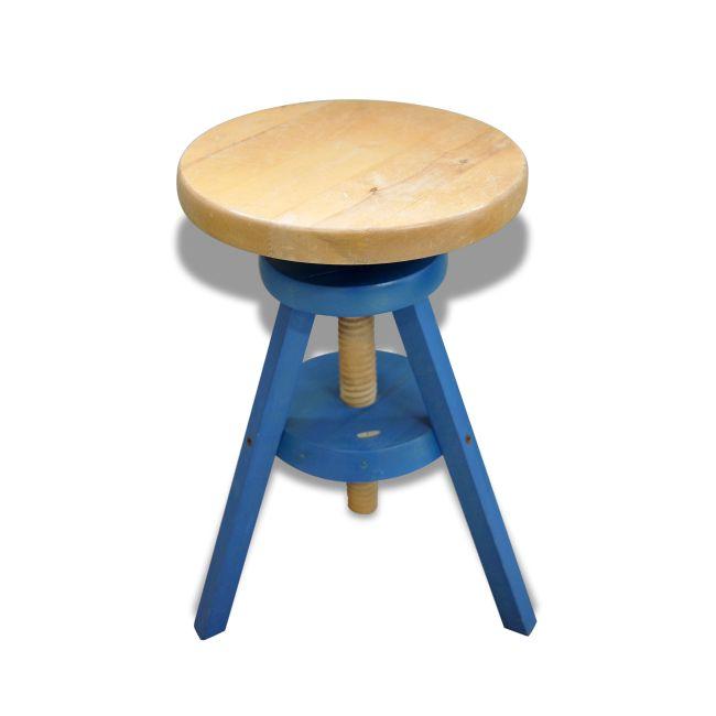 Tabouret en bois massif vintage vendu par JASS ? Gujan-Mestras (33 - Gironde). Hauteur : 48, Largeur : 37, Profondeur : 37, État : Dans son jus, Materiau : Bois, Style : Vintage, Couleur : Bleu