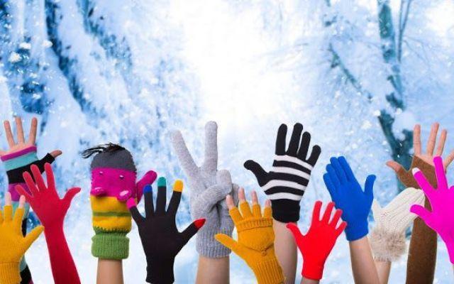 RICICLA i tuoi guanti invernali L'inverno e' passato, e' in arrivo la calda stagione, e riordinando il tuo armadio hai trovato i tuoi vecchi guanti, bellissimi, ci tieni molto, ma ormai sono troppo usati. Qui ti presento un Green Bl #green #riciclare #tutorial #casa #moda
