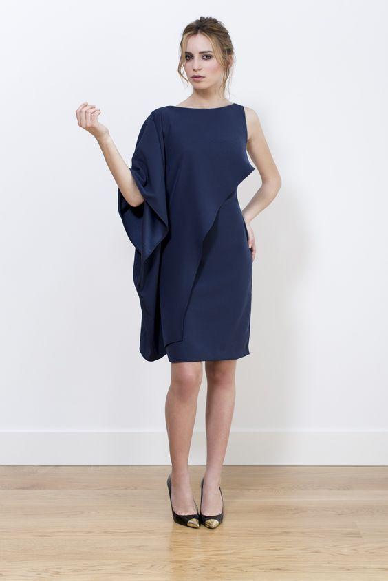 Vestido Ángela con capa crepé azul. Colección A-W 2014/2015.: