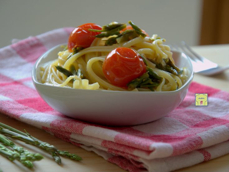 Linguine pomodorini e asparagi selvatici