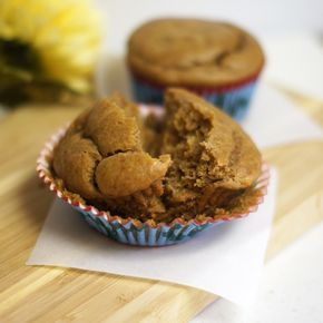 muffins με φυστικοβούτυρο & μπανάνα (δίχως αλεύρι & ζαχαρη)!