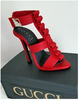 Red Gucci Stiletto Birthday Cake.. The cake on this site are amazing to say the least!!! WOW!