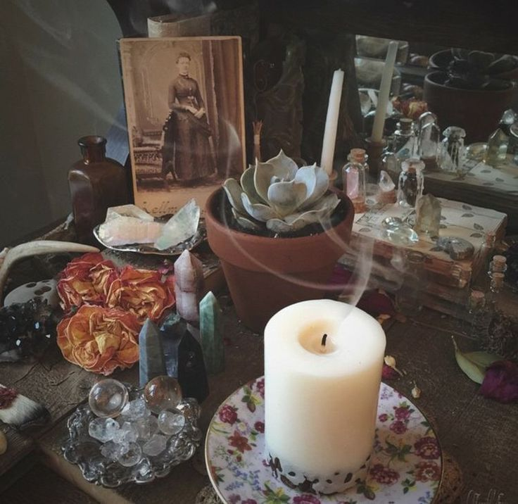 76 Best Amazing Altars Images On Pinterest: 1000+ Ideas About Altars On Pinterest