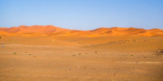 Sahara Desert Under The Sunlight And A B Free Photo Freepik Freephoto Nature Sky Landscape Rock In 2021 Sahara Desert Monument Valley Park Sky