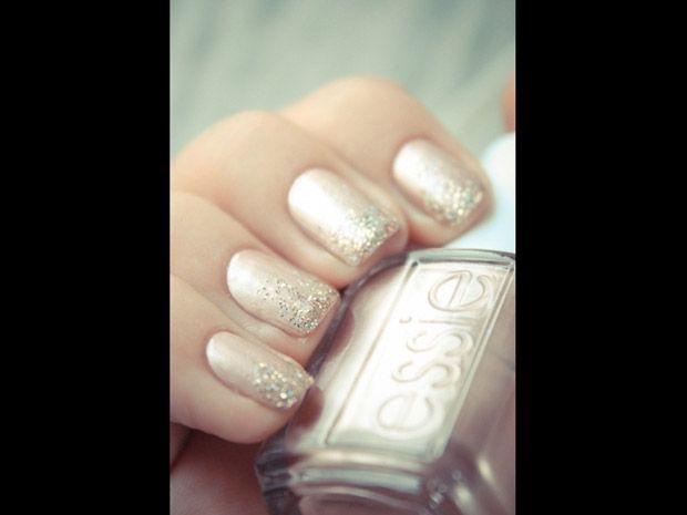 Nails for bride. Wedding.