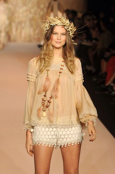 #Namibian #model #BehatiPrinsloo for Anna Sui Spring/Summer 2011