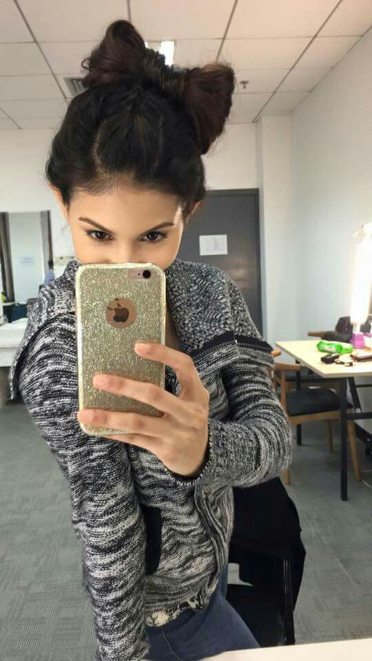 Nice selfie of cute..... Amyra Dastur