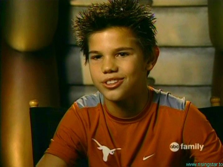 Taylor Lautner is he p... Taylor Lautner Sharkboy