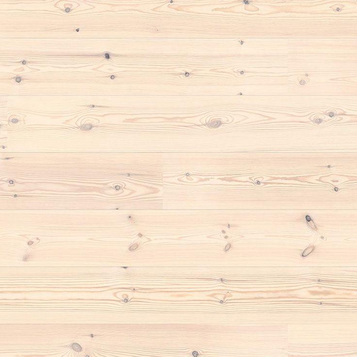 Lyft in ett riktigt furugolv i hemmet med detta 1-stavs parkettgolv, den extra vita oljan gör golvet ljust och behagligt. Oljan har varsamt polerats ner djupt i trät, vilket gör parkettgolvet hållbart och beständigt och är därför en långsiktig investering.