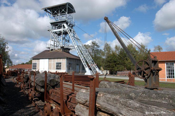 Puits des Glénons, un des deux sites du Musée de la Mine à La Machine. Entrez dans l'univers de la houille en visitant les galeries !