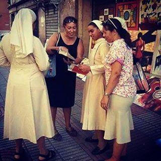 En Venezuela, la predicación de los Testigos.  - The good news keeps reaching people of all sorts. Wenezuela