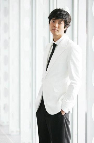 Lee Dong-Gun.